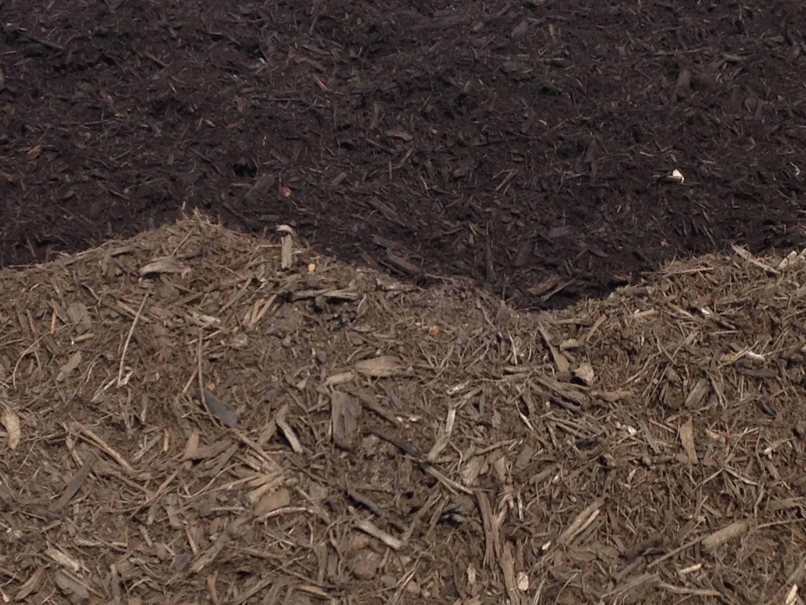 Mulch in brown and dark brown